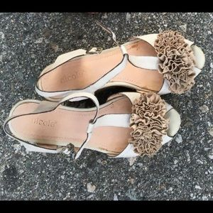 Women floral wedge (size 6.5/7)